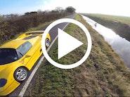 Ferrari F50 med wakeboarder på slæb