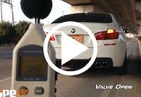 BMW M5 med ond udstødning