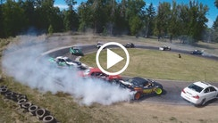 12 biler i drift train