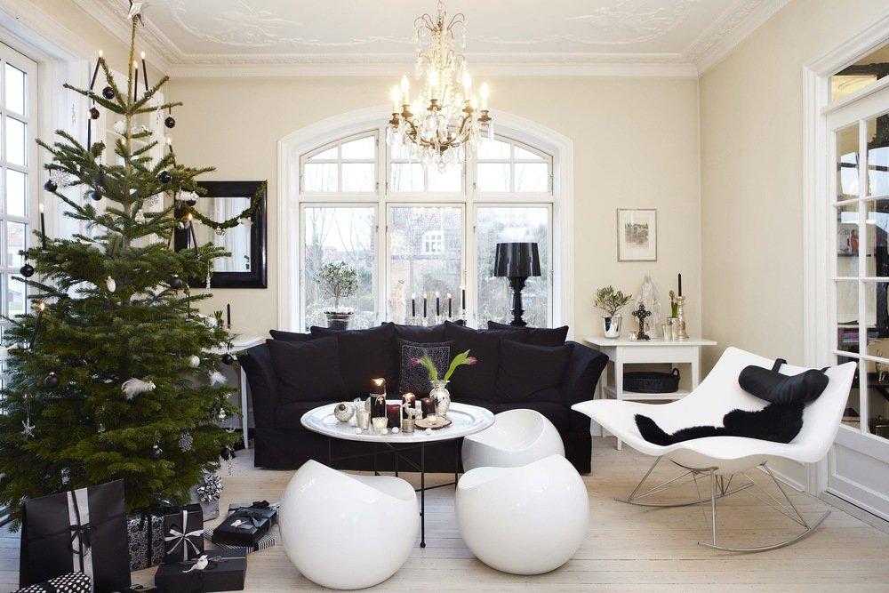<p></p> <p><strong>Jul i svart og hvitt<br /></strong></p>