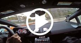 Nicolas Kiesa giver den gas i en Lamborghini Huracán