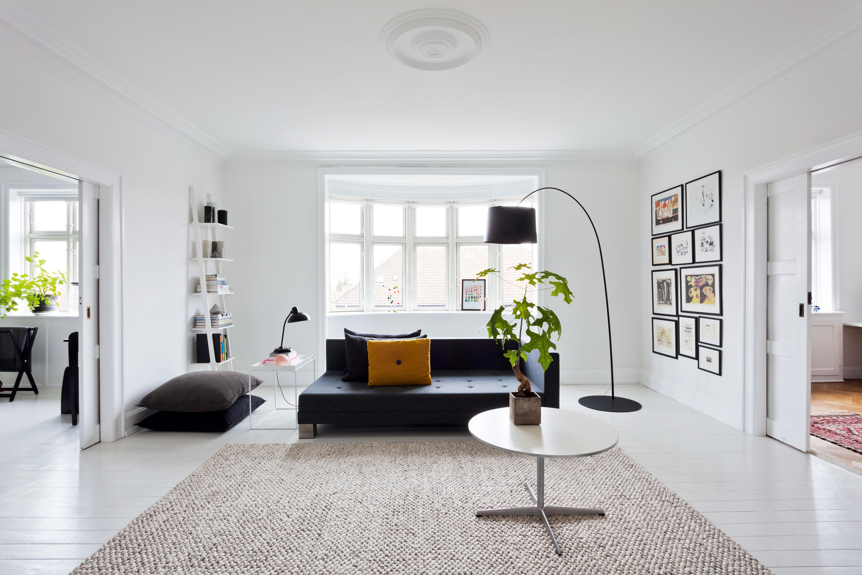 Grafikerens sort hvide hjem for Pisos blancos minimalistas