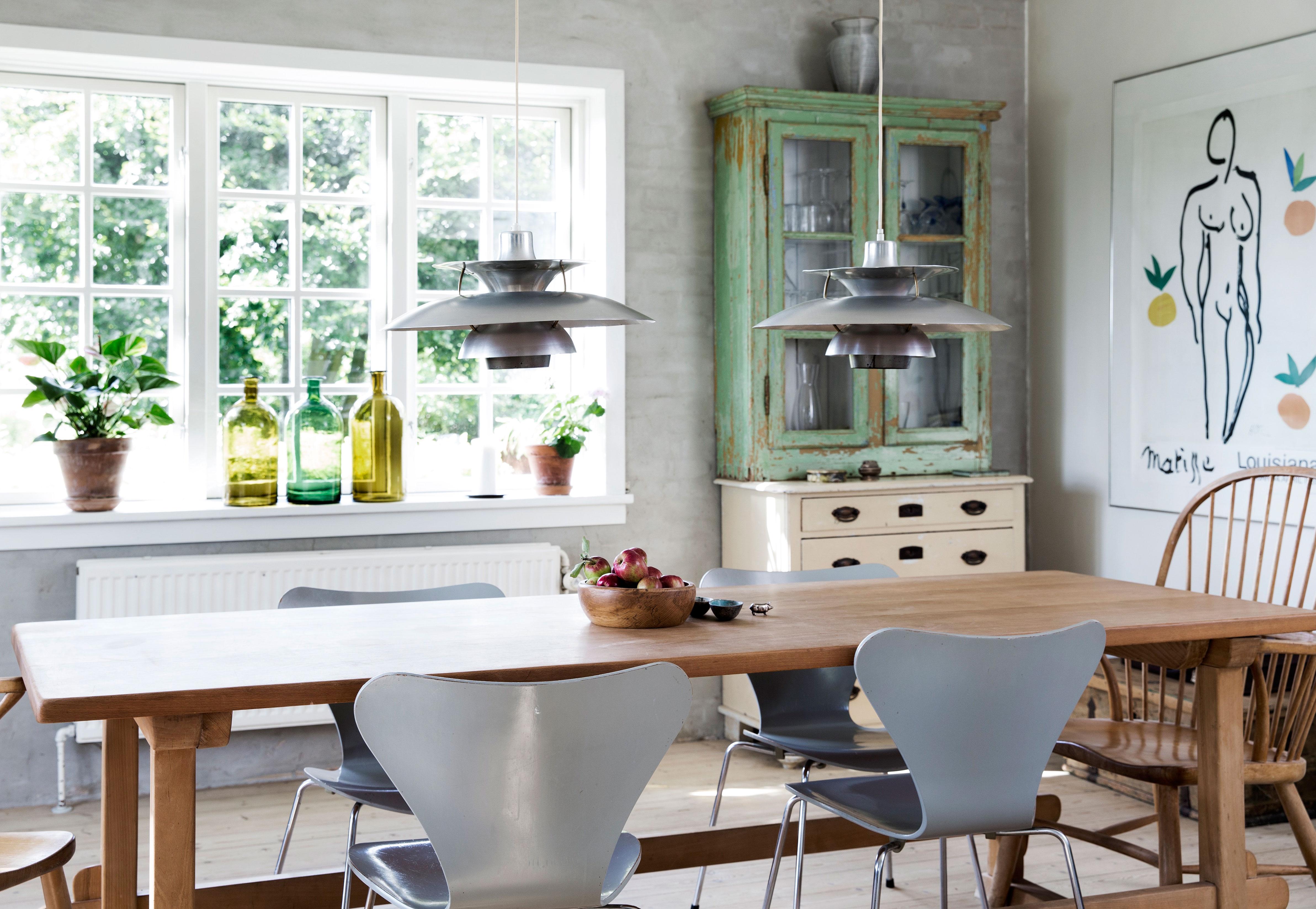 Nordisk og klassisk hjem med vakker hage