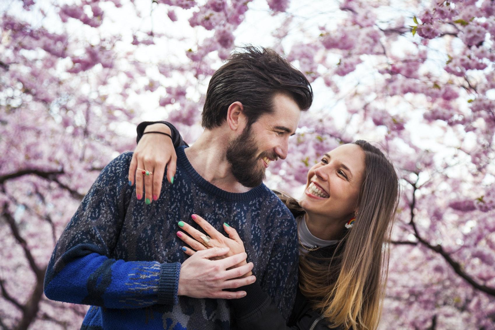 gode dating beskeder Spørgsmål som disse vækker helt sikkert gode følelser i din date, og afslører samtidig meget om hans eller hendes åbenhed overfor nye eventyr.