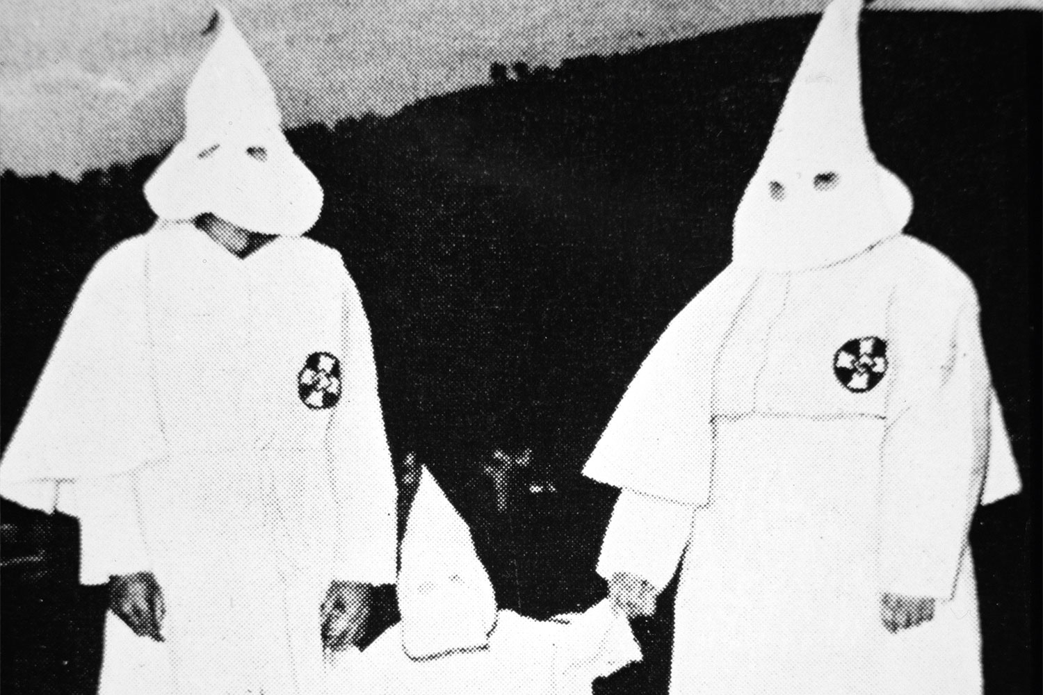 the presence of klu klux klan as described in john grishams the chamber When it comes to essay writing, an in-depth research is a big deal our experienced writers are professional in many fields of knowledge so that they can assist you with virtually any academic task we deliver papers of different types: essays, theses, book reviews, case studies, etc.