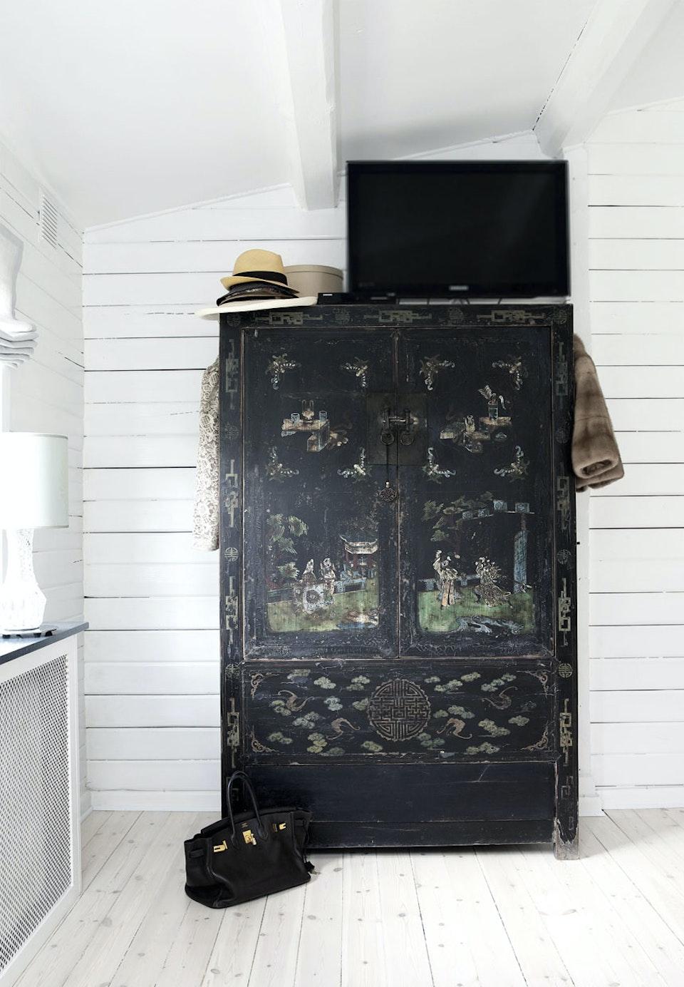 Une romantique maison en bois envie 2 deco boutique et for Meuble chinois belgique