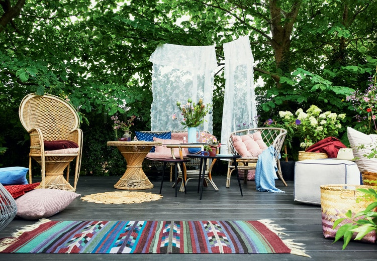 Sådan skaber du en skøn sommerstemning på terrassen ...