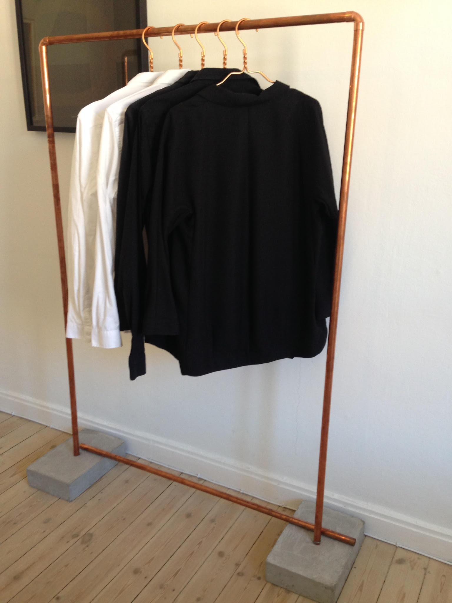 DIY: plankebord og et tøjstativ - superbilligt   Boligmagasinet.dk